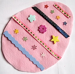 easter-egg-busy-bag7-done-250x2491