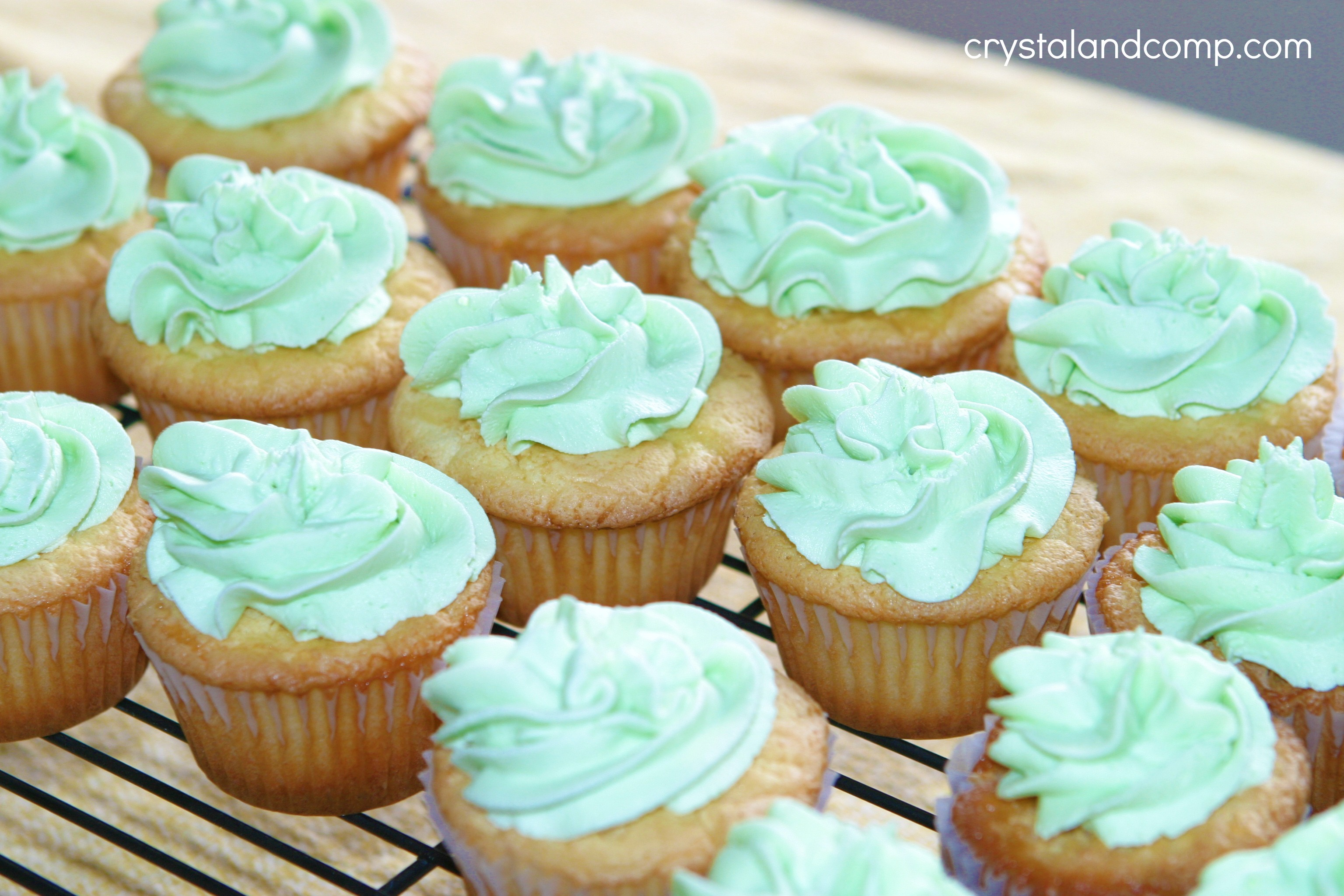 St Patricks Day Lucky Charm Cupcakes