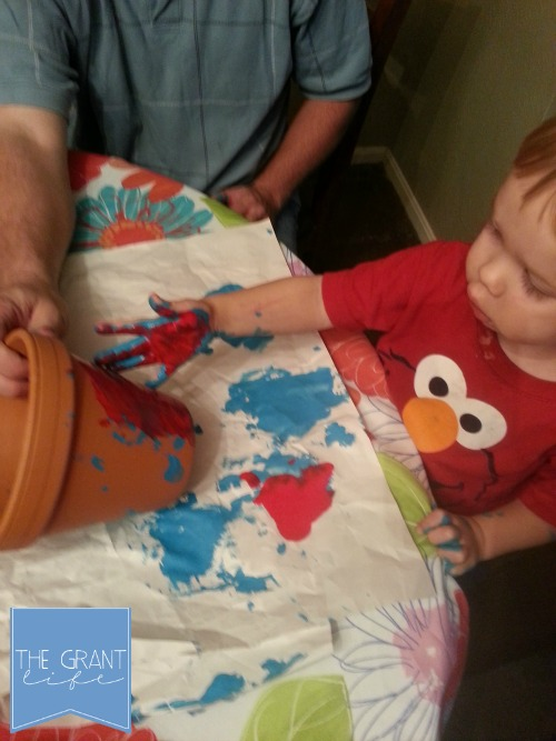 Activities for Kids Creating a monthers day gift