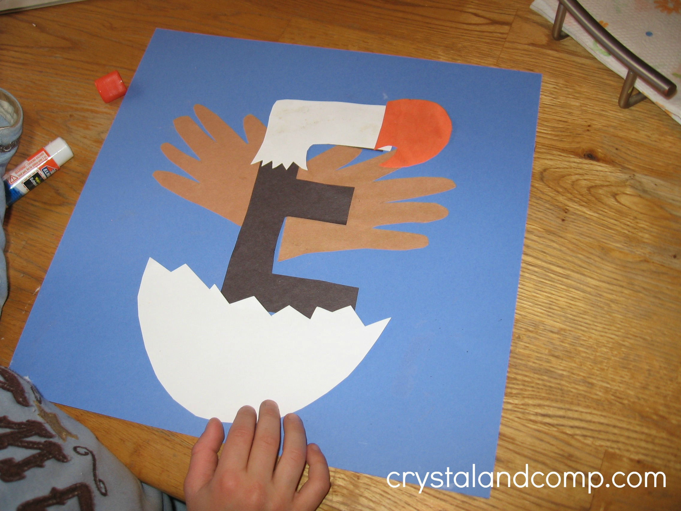 Letter of the week a preschool craft for the letter e for Arts and crafts for daycare