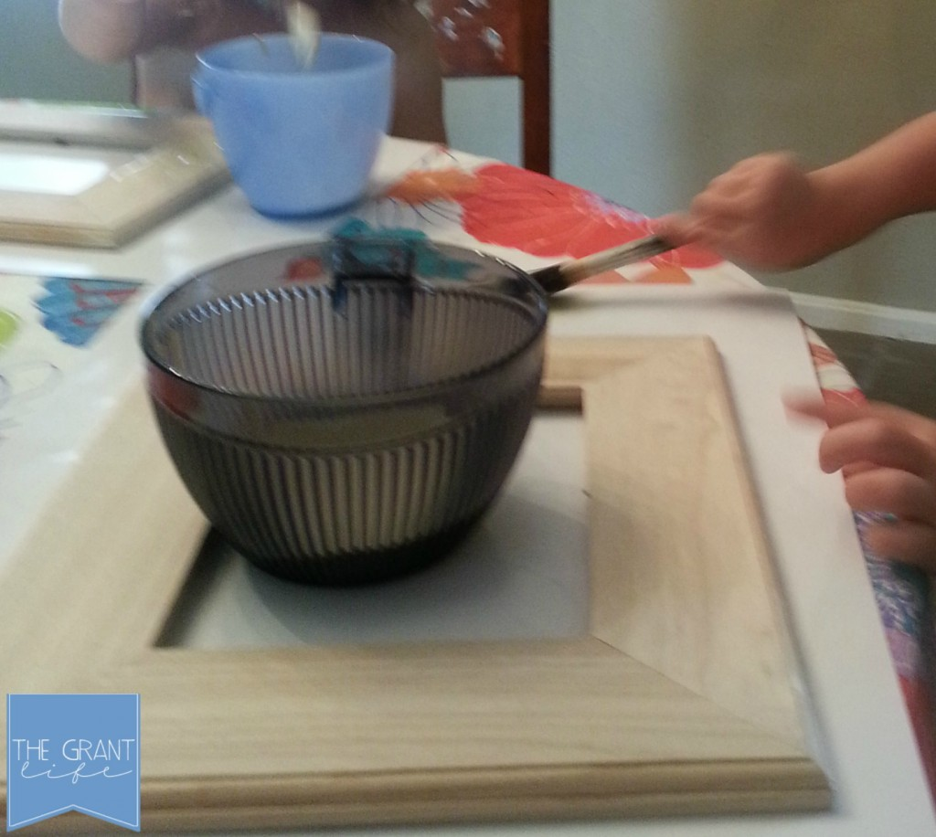 summer activities for kids painting a frame
