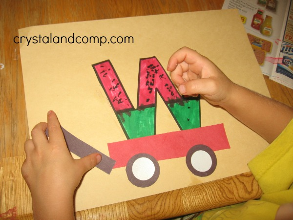 week crafts for preschoolers: w is for watermelon #letteroftheweek #crystalandcomp